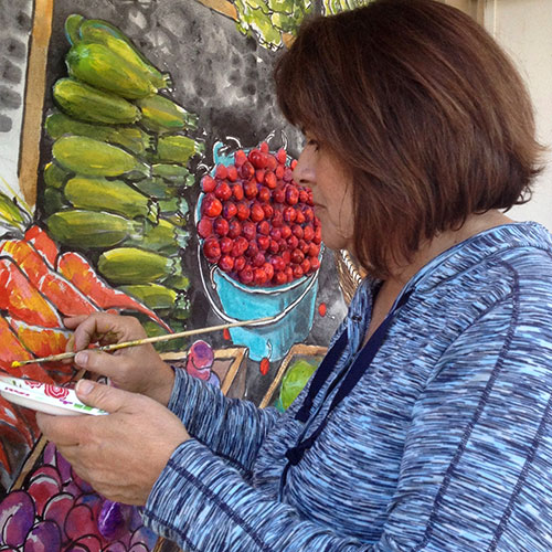 Photo of Stephanie Taylor painting